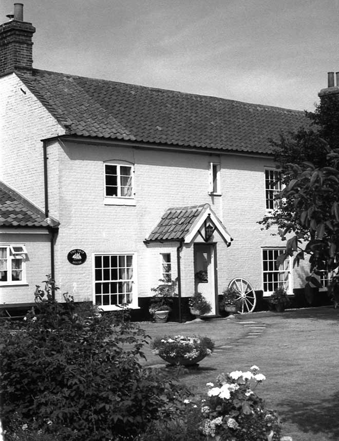 Tuttington, the Ship House